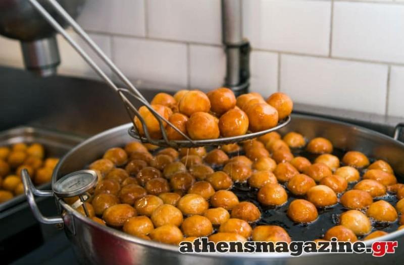 Στην Αιόλου θα φας ολόφρεσκους και πάντα ζεστούς λουκουμάδες, με τα πιο υγιεινά υλικά! - Ζαχαροπλαστεία