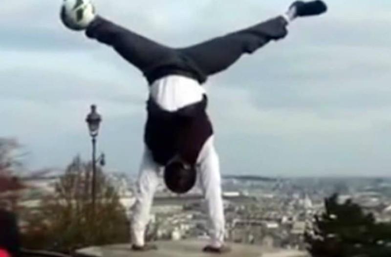 Ζογκλέρ «μιλάει» στη μπάλα κάνοντας μοναδικά κόλπα (video)