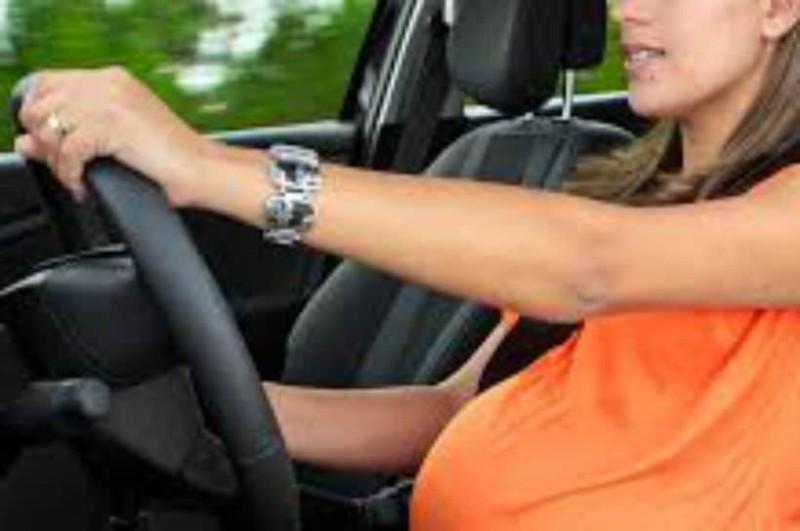 Εγκυμοσύνη και οδήγηση: Όσα πρέπει να ξέρετε και να προσέχετε