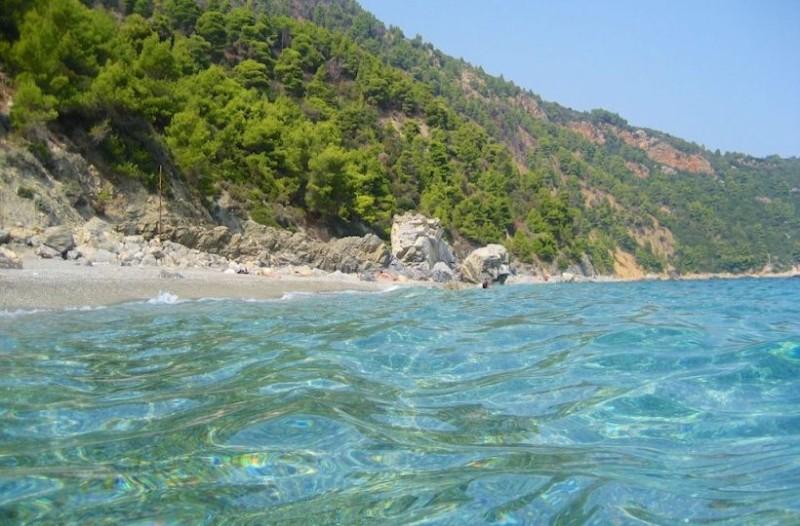 Οι 5 καλύτερες παραλίες στη Σκόπελο που θα σε κάνουν να θες να μείνεις για πάντα στο νησί! (photos)