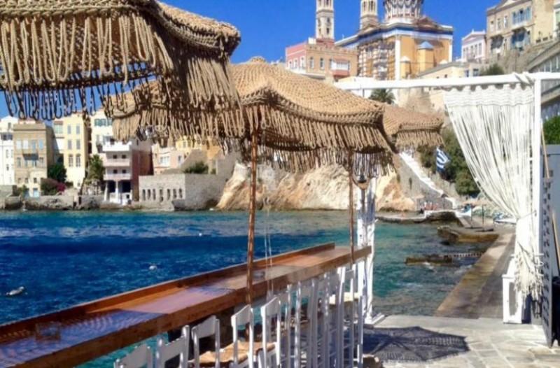 6 κορυφαία beach bar σε ελληνικά νησιά, σύμφωνα με τον Guardian!