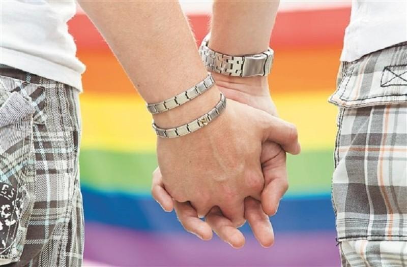 Απόφαση-σταθμός για τα ομοφυλόφιλα ζευγάρια!