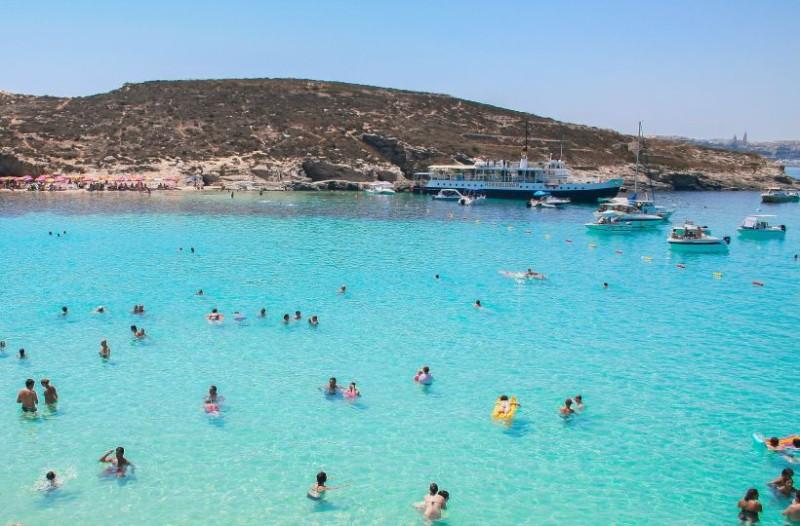 Προσοχή: Αυτές είναι οι ακατάλληλες παραλίες στην Αττική για κολύμπι!