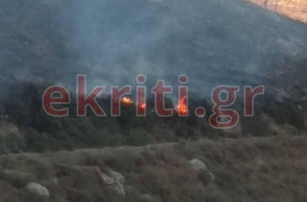 Κρήτη: Συνεχίζεται η μάχη με τις φλόγες (photos)