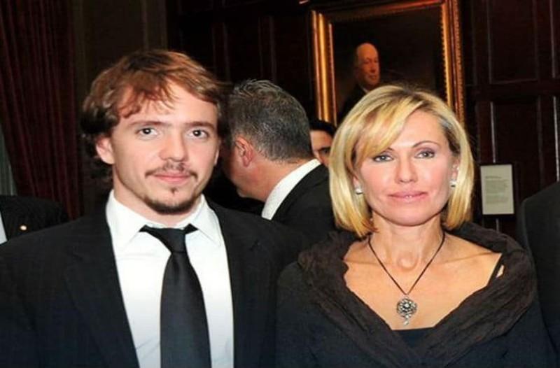 Σωκράτη Κόκκαλη τζούνιορ: Τραγική φιγούρα η μητέρα του, Ελένη! Ποια είναι η γυναίκα με περιουσία 1,5 δις ευρώ που δεν την βλέπουμε πουθενά!