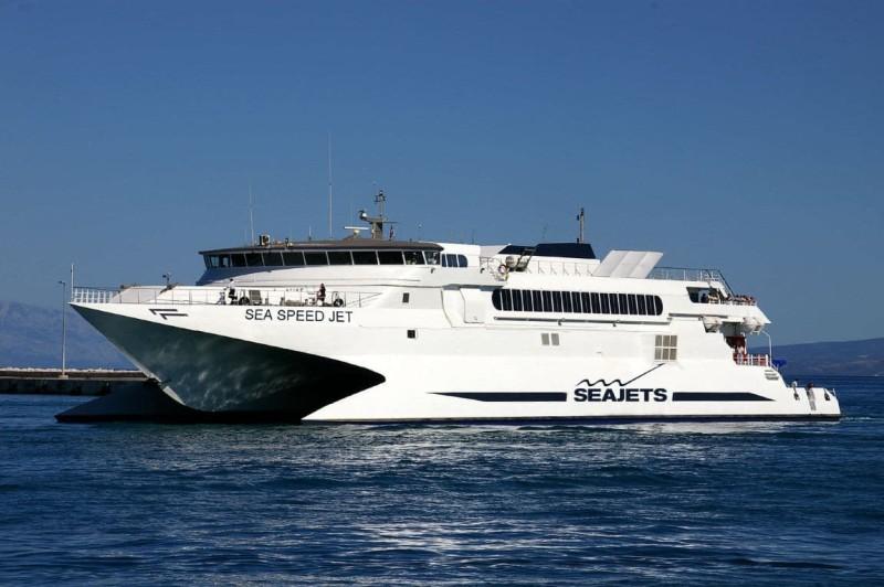 Συναγερμός σε πλοίο προς Σέριφο με 301 επιβάτες!