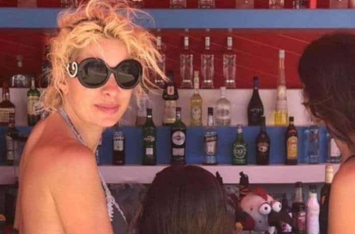Άρον άρον στην Αθήνα η Ελένη Μενεγάκη! Τι συνέβη; (video)