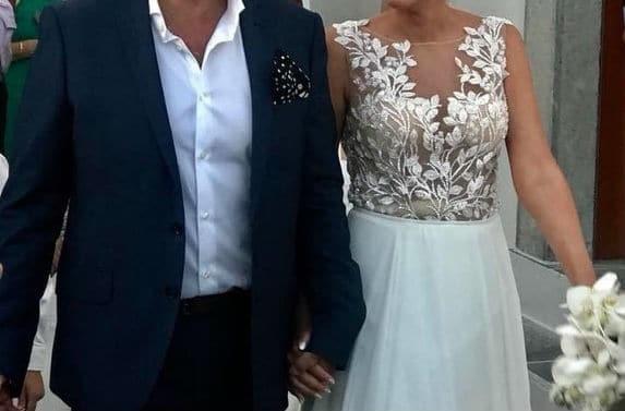 Γάμος στην ελληνική showbiz! Αγαπημένο ζευγάρι παντρεύτηκε και δεν τους  πήρε κανείς χαμπάρι! f9572027ae2