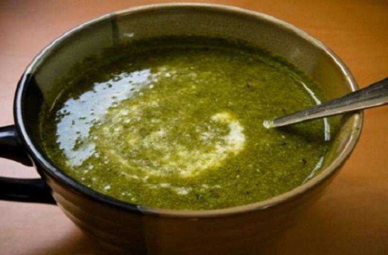 Ο διατροφολόγος συστήνει: Αυτή η σούπα καίει το λίπος και διώχνει την κυτταρίτιδα