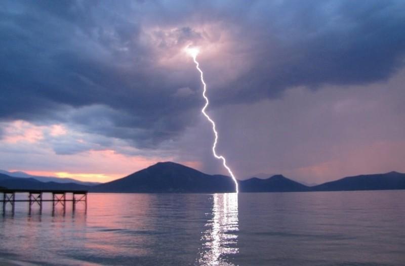 Ρεκόρ κεραυνών τον Ιούλιο στην Ελλάδα!