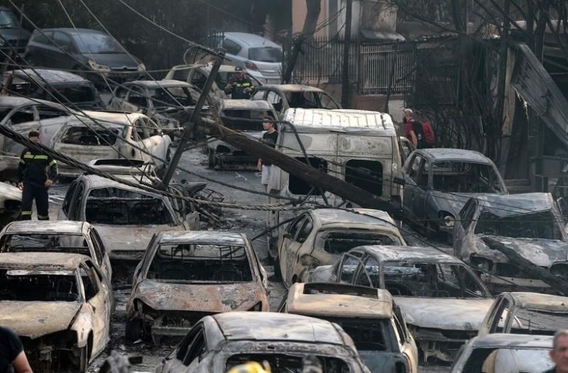 Τραγωδία στο Μάτι: Πώς εγκλωβίστηκε ο κόσμος; - Το μοιραίο λάθος που έγινε με την εκτροπή της κυκλοφορίας!