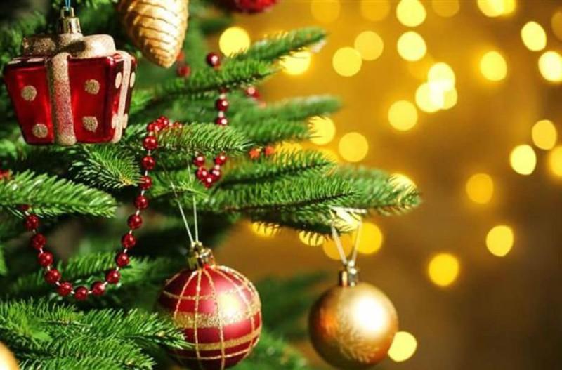 Τι κι αν είναι Αύγουστος; Στο Λονδίνο στόλισαν... χριστουγεννιάτικα! (photos+video)