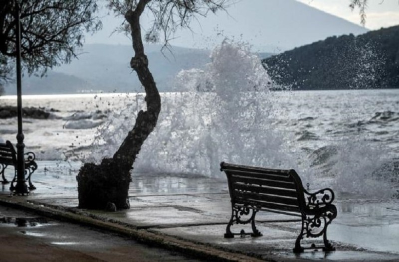 «Αγριεύει» ο κυκλώνας Ζορμπάς! - Αυτή την ώρα πλήττει τη Νότια Πελοπόννησο!