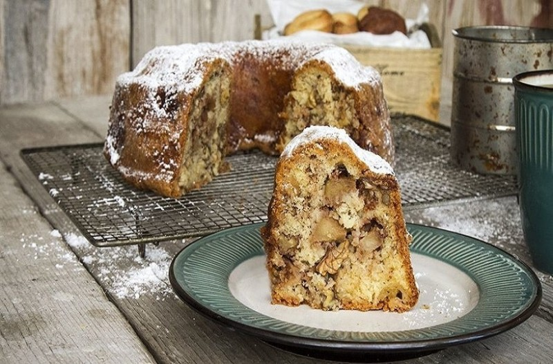 Κανελένιο κέικ με καραμελωμένα μήλα και σοκολάτα!