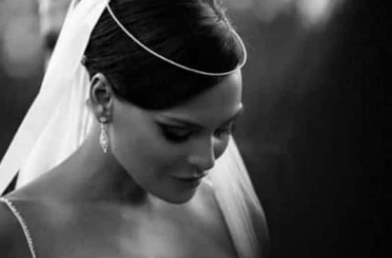 Υβόννη Μπόσνιακ: Η ανατριχιαστική φωτογραφία με τα δάκρυα από τον γάμο της!