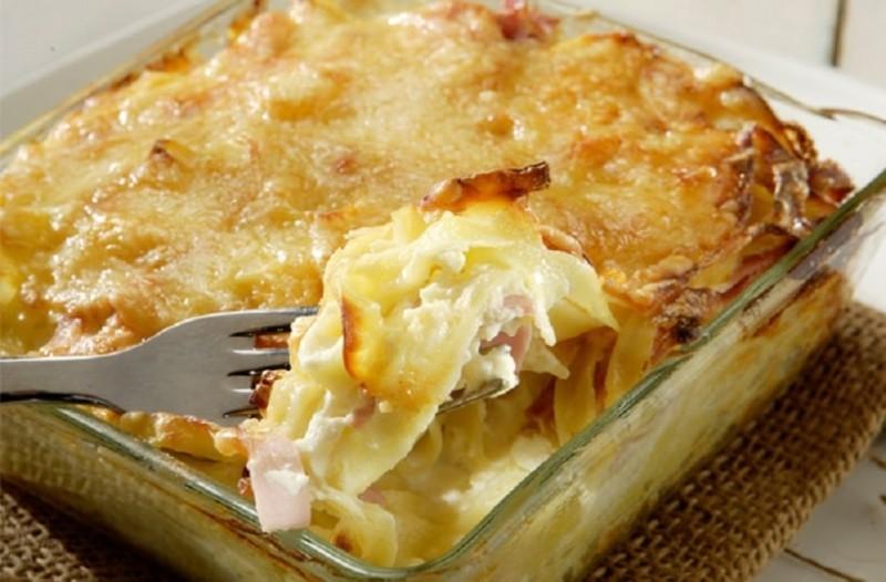 Μακαρόνια στο φούρνο με μπεσαμέλ και τυρί!