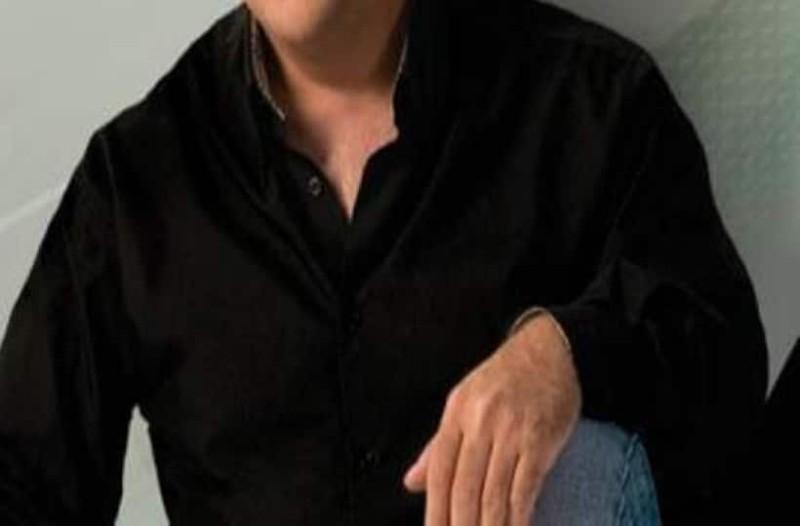 ραντεβού με έναν τραγουδιστό Ποιος είναι ο Όστιν Μαχόν που βγαίνει
