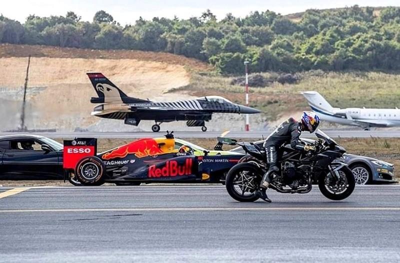Απίστευτο βίντεο: Ο απόλυτος αγώνας ταχύτητας!