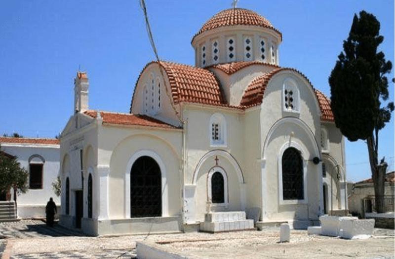 Σοκ στη Χίο: Ιερείς έκλεψαν λείψανο παιδιού από μοναστήρι!