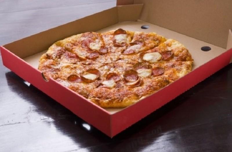 Εσύ το είχες σκεφτεί ποτέ; - Αυτός είναι ο λόγος που οι πίτσες αν και είναι στρογγυλές, μπαίνουν σε τετράγωνα κουτιά!