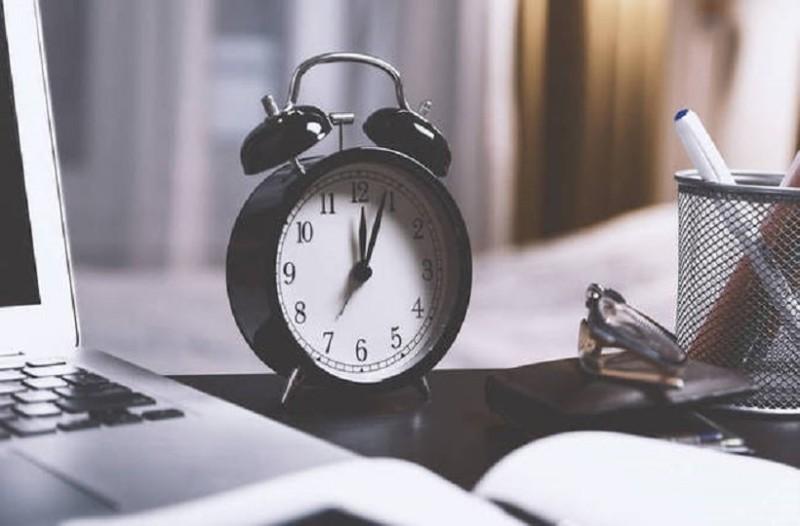Πώς θα αποφύγετε τις επιπτώσεις από την αλλαγή της ώρας; - 4 tips που θα σας βοηθήσουν!