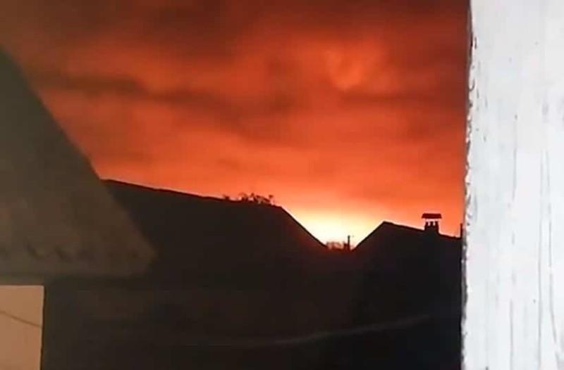 Παγκόσμιος συναγερμός: Ισχυρή έκρηξη σε αποθήκη με πυρομαχικά! Απομακρύνονται 10.000 άνθρωποι