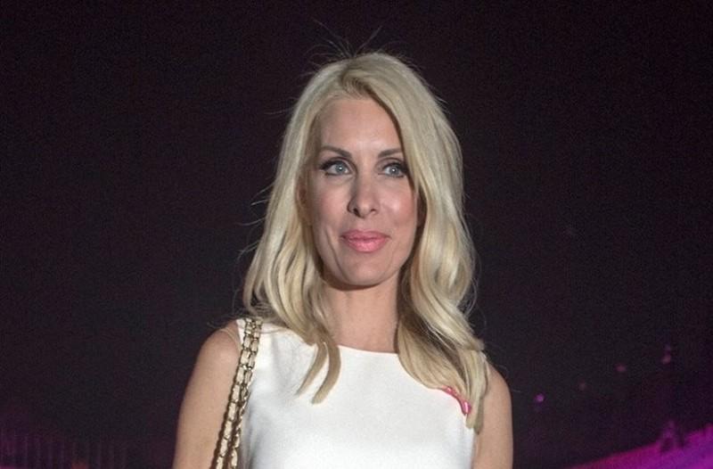 0b904738a14 Ελένη Μενεγάκη: Το casual και στιλάτο look της παρουσιάστριας που ...
