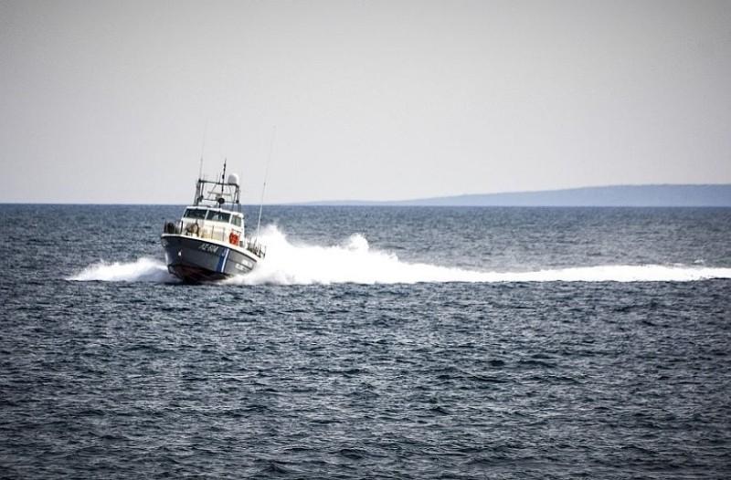Απίστευτη τραγωδία στα ανοικτά της Αλικαρνασσού: Βυθίστηκε πλοιάριο! (Photo & Video)