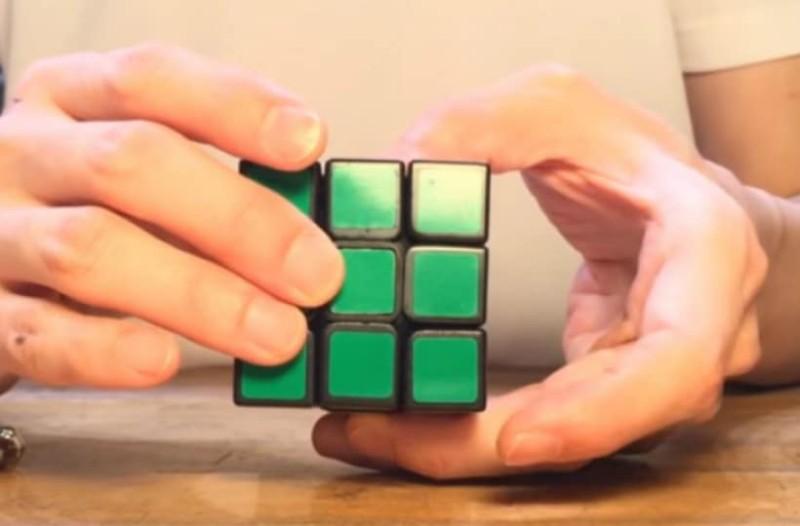 Ο κύβος του Ρούμπικ που λύνεται από μόνος του (video)