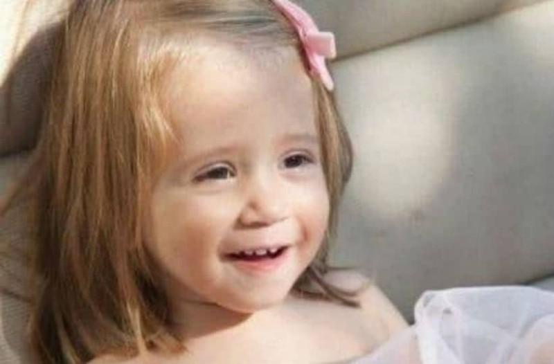 Θα πάθετε πλάκα! Το κοριτσάκι της φωτογραφίας είναι κόρη πασίγνωστης Ελληνίδας παρουσιάστριας