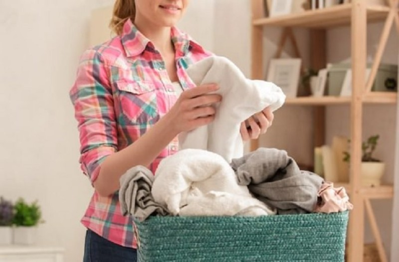 Πώς θα βγάλεις τους λεκέδες λαδιού από τα ρούχα!