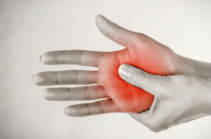 Μούδιασμα στα δάχτυλα χεριών και ποδιών! Τι σημαίνει;