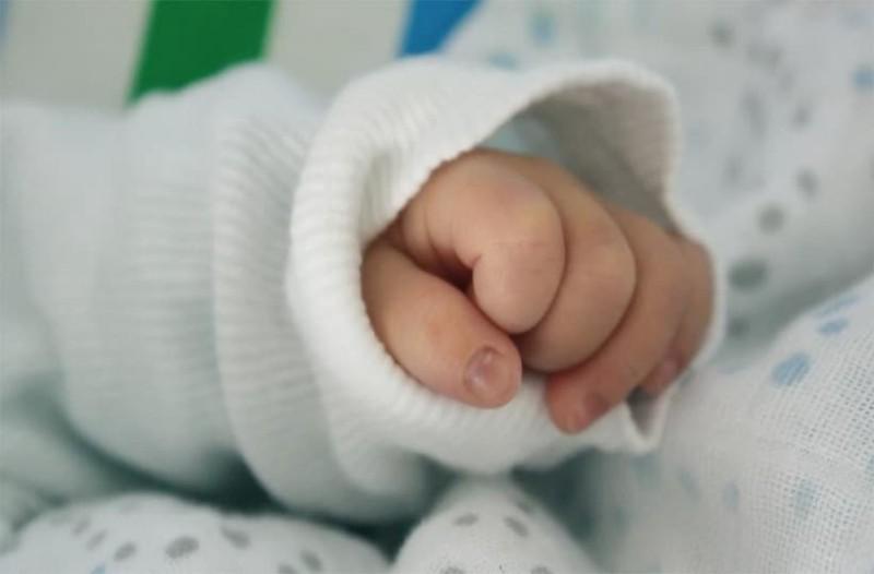 Σοκ στη Γαλλία με τα βρέφη που γεννιούνται χωρίς χέρια!