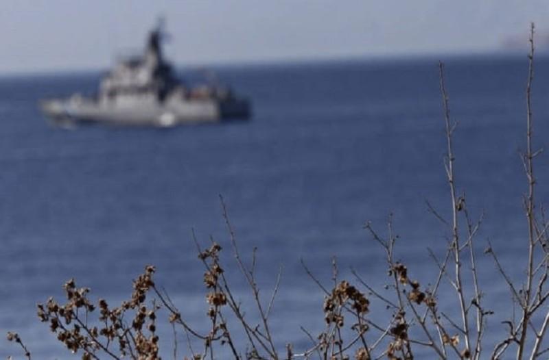 Σκηνικό έντασης στις Οινούσσες! - Τούρκοι προσπάθησαν να δέσουν και να ανατρέψουν το σκάφος Έλληνα ψαροντουφεκά!