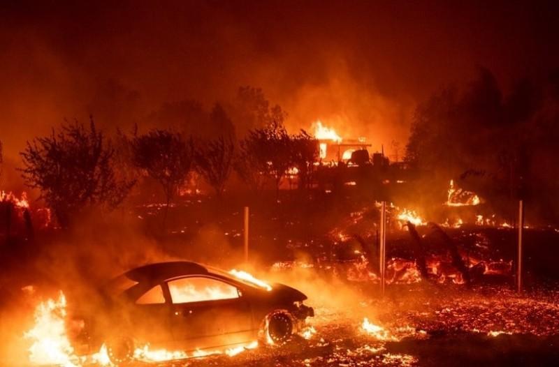 Πυρκαγιά στην Καλιφόρνια: Εκτός ελέγχου η φωτιά, εκκενώνονται πόλεις!