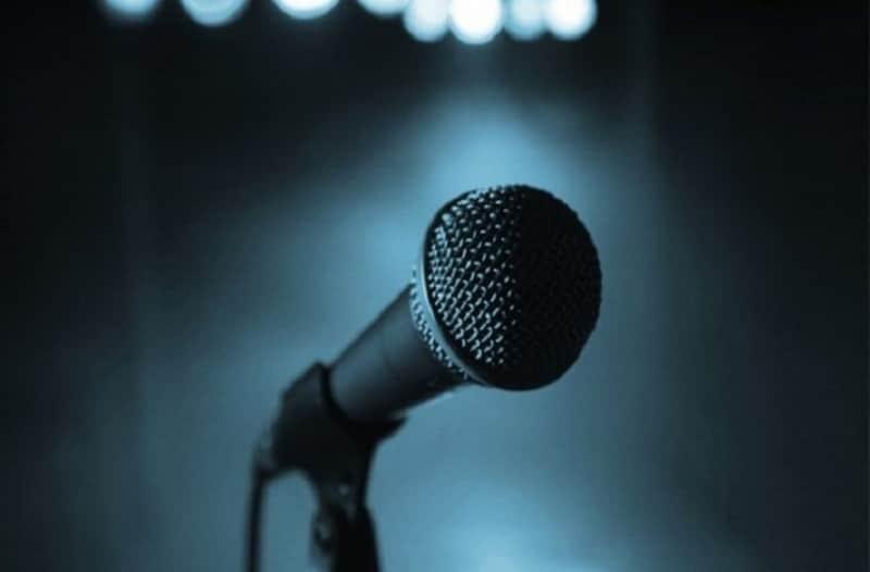 Είδηση σοκ: Πέθανε κορυφαία τραγουδίστρια σε ηλικία 49 ετών!