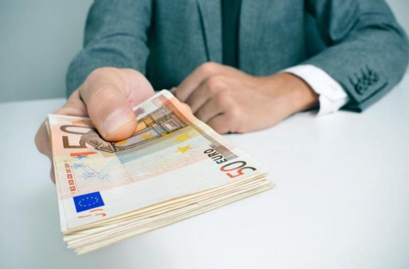 Τεράστια ανάσα: 1.400 ευρώ μέχρι τα Χριστούγεννα!