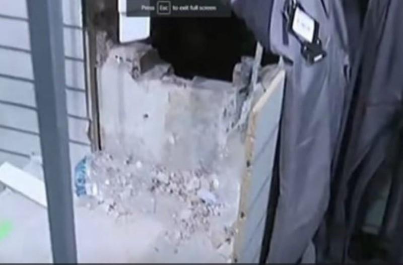 82eebe4e01d Ληστεία βγαλμένη από σινεμά: Έσκαψαν τούνελ και λήστεψαν κατάστημα  αθλητικών ειδών