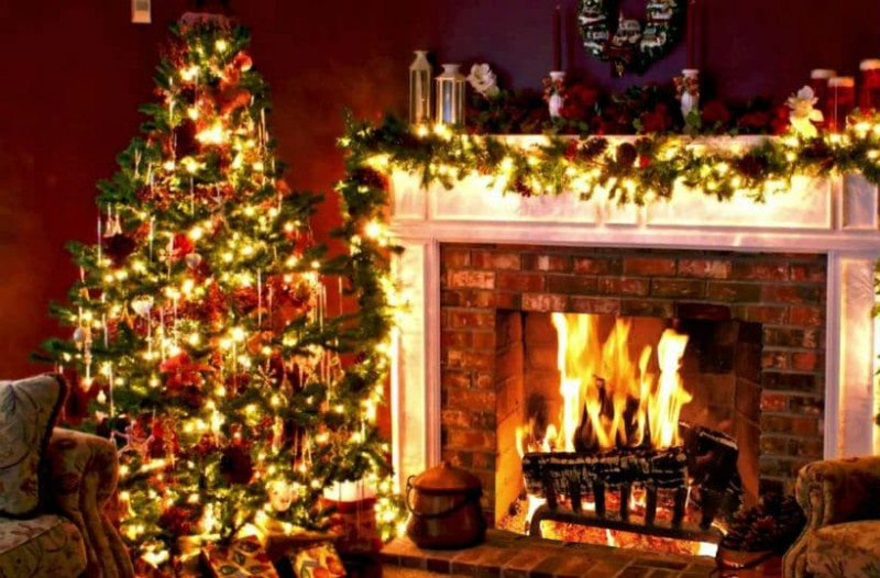 Χριστουγεννιάτικα στολίδια και λαμπιόνια: Όσα πρέπει να προσέχουμε για να μην κινδυνέψουμε!