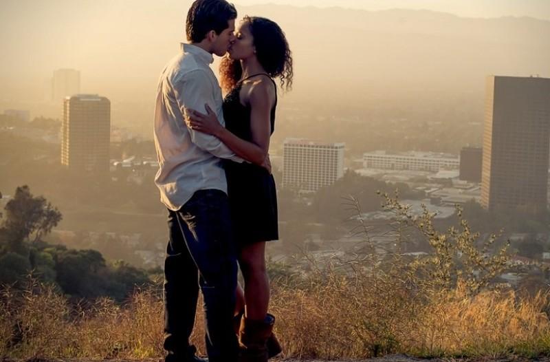 Dating μετά το πρώτο φιλί