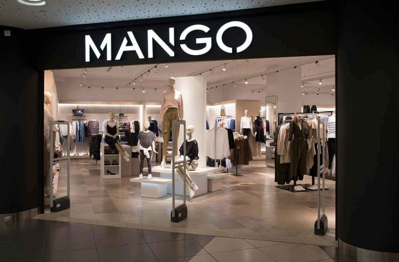 Mango: Τα 10 πιο μοδάτα πουλόβερ που κοστίζουν κάτω από 20 ευρώ!