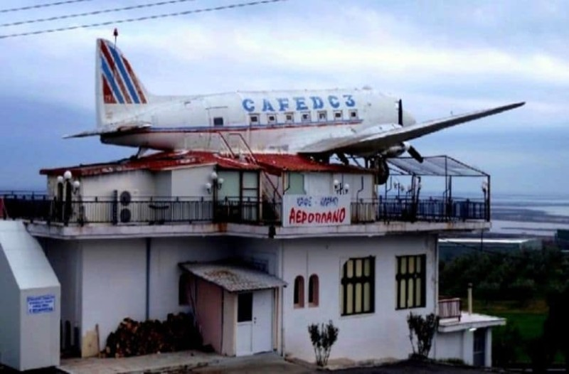 Το τέλος της αθωότητας: Η πιο θρυλική καφετέρια της Ελλάδας, έγινε οίκος ανoχής!