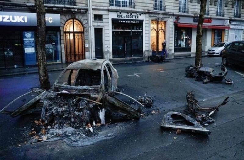 Μετράει τις πληγές του το Παρίσι: Ο απολογισμός των επεισοδίων! (photos)