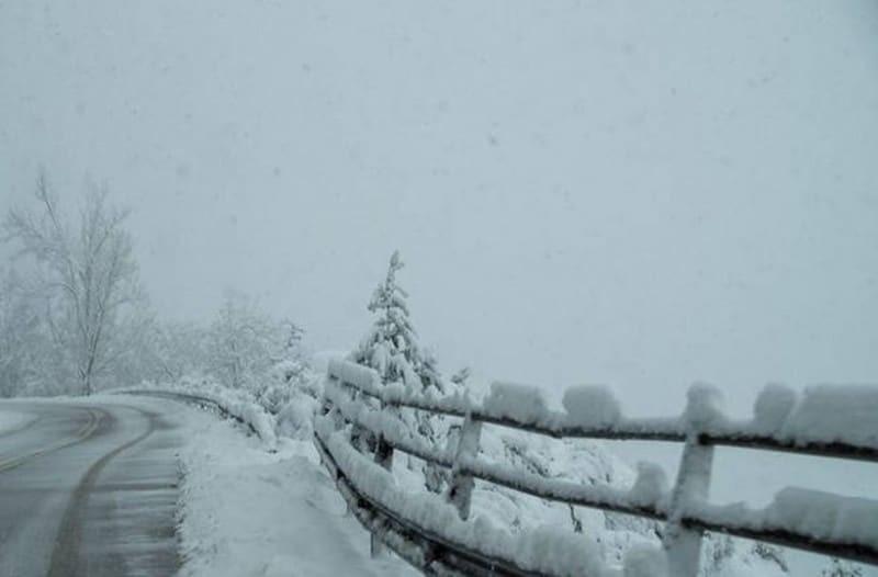 Δείτε live το χιόνι και παγωνιά στην Πάρνηθα!