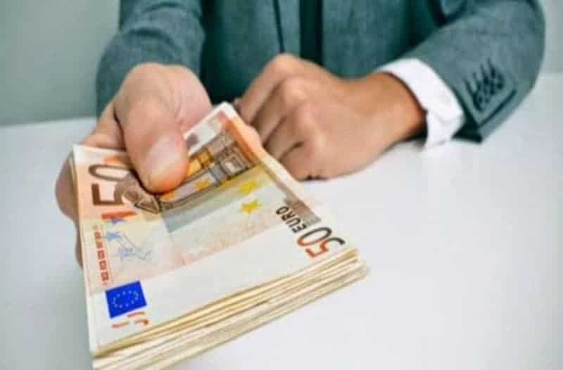 Τεράστια ανάσα: 1.000 ευρώ σήμερα στους τραπεζικούς σας λογαριασμούς!