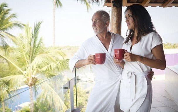"""Αληθινή εξομολόγηση: """"Κάθομαι στον 70χρονο αναγκαστικά γιατί με ταΐζει""""… - Έρωτας και Σχέσεις"""
