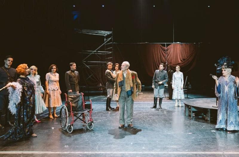 Κριτική θεάτρου: «Απόψε αυτοσχεδιάζουμε», μια παράσταση βασισμένη σε ένα θέμα του Λουίτζι Πιραντέλλο, στο Εθνικό Θέατρο!