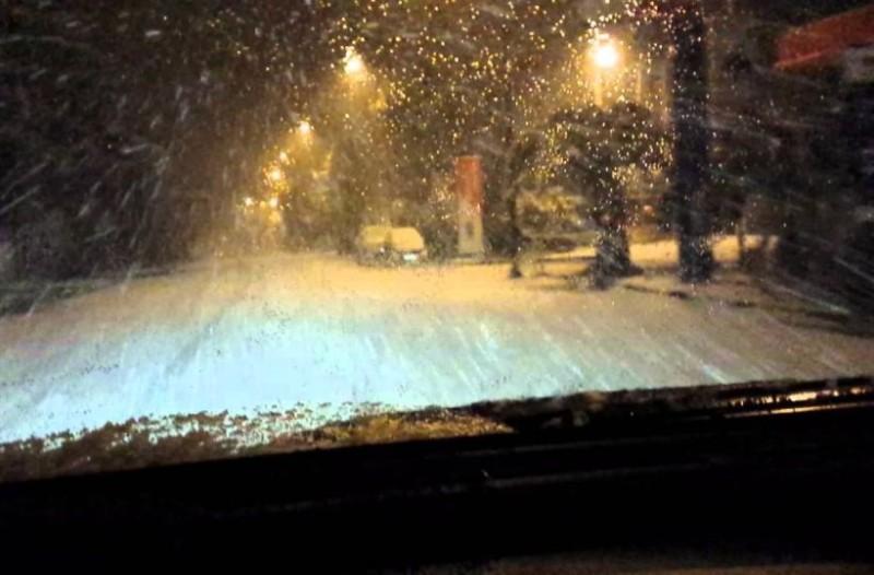 Στο έλεος του χιονιά η Ελλάδα: Που θα χιονίσει τις επόμενες ώρες; Στα λευκά και η Αθήνα από το απόγευμα!