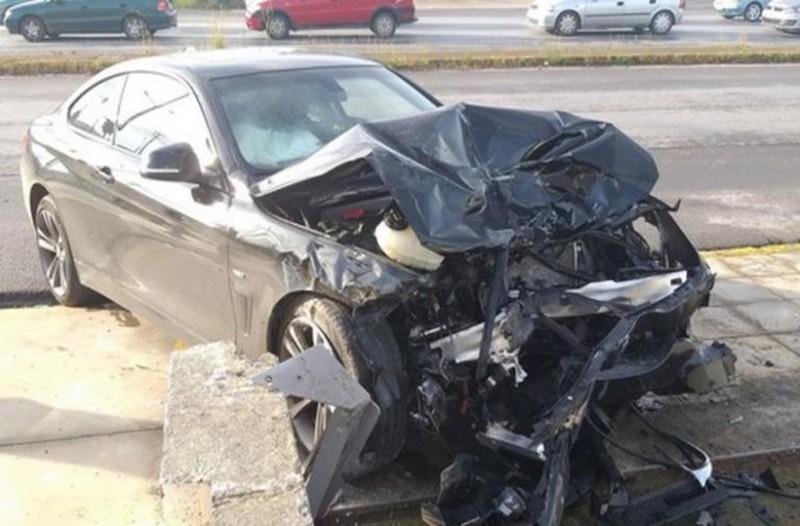 Τροχαίο σοκ στην Καλαμάτα: Σώθηκαν από θαύμα δύο μικρά παιδιά! Διαλύθηκαν τα αυτοκίνητα (photos)