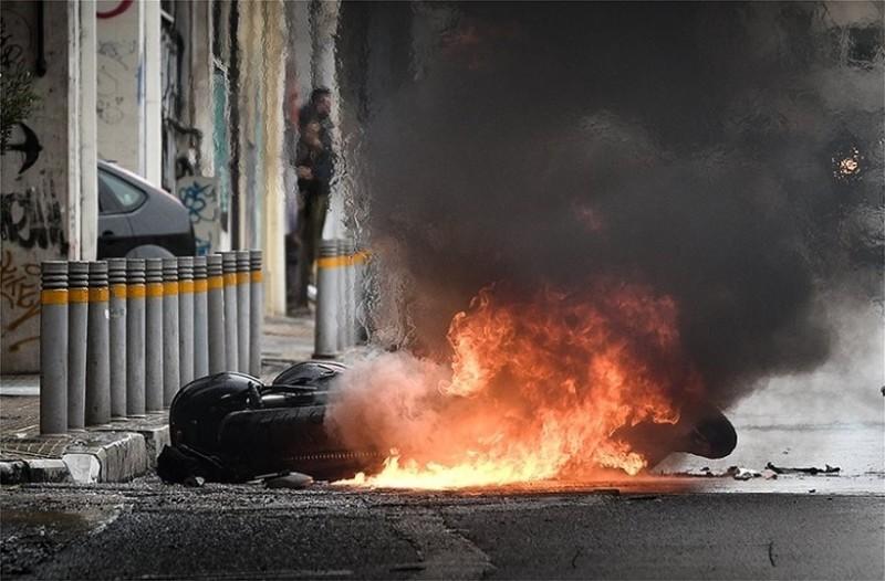 Άγνωστοι μαχαίρωσαν 11 φορές άνδρα στο κέντρο της Αθήνας!